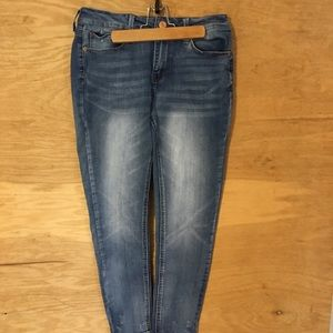 Mudd juniors SZ 9 skinny blue jeans  distressed